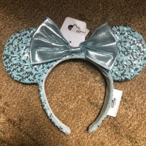 Arendelle aqua Minnie ears